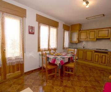 Apartamentos Casa Costa Laspaúles