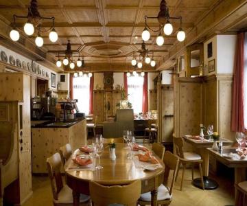 Hotel Stern Chur - swiss historic Cuera