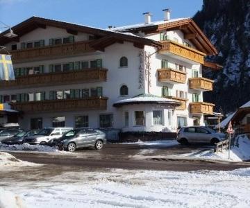 Hotel Alaska Campitello di Fassa