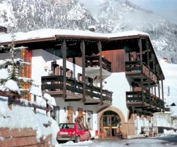 Hotel Nevada  Campitello di Fassa